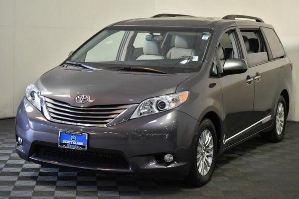 2017 Toyota Sienna Xle Premium >> 2017 Toyota Sienna Xle Premium 7 Passenger 4d Passenger Van